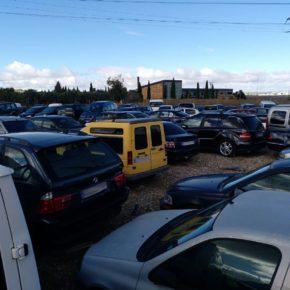 Ciudadanos (Cs) Pinto denuncia el abandono del aparcamiento situado en el Centro de Transportes por parte del Ayuntamiento.